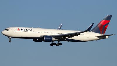 A picture of N176DZ - Boeing 767332(ER) - Delta Air Lines - © Shotaro Shimizu
