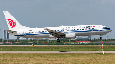B-5437 - Boeing 737-86N - Air China