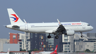 B-8563 - Airbus A320-214 - China Eastern Airlines