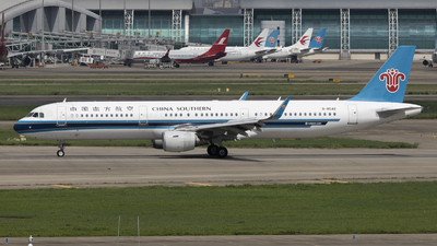 A picture of B8548 - Airbus A321211 - China Southern Airlines - © Sofronio_GY