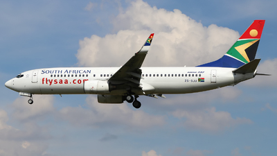 ZS-SJU - Boeing 737-844 - South African Airways