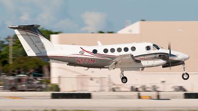 N572M - Beechcraft 200 Super King Air - Private