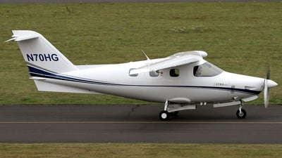 N70HG - Extra 400 - Private