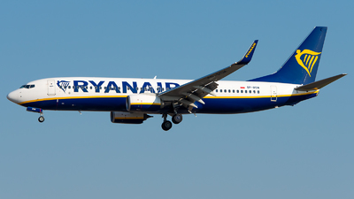 A picture of SPRSM - Boeing 7378AS - Ryanair - © GoldenWingPix