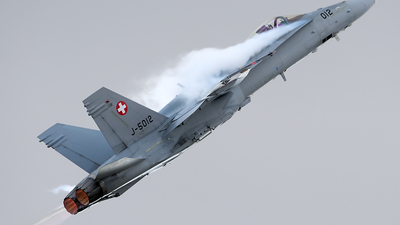 J-5012 - McDonnell Douglas F/A-18C Hornet - Switzerland - Air Force