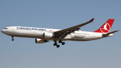 A picture of TCJOB - Airbus A330303 - Turkish Airlines - © Matthew Lima