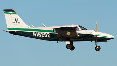 N16292 - Piper PA-34-200 Seneca - Regal Air