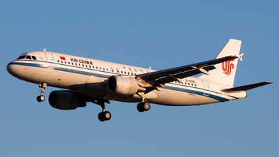 A picture of B6881 - Airbus A320214 - Air China - © william8252