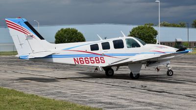 N6658S - Beechcraft 58 Baron - Private