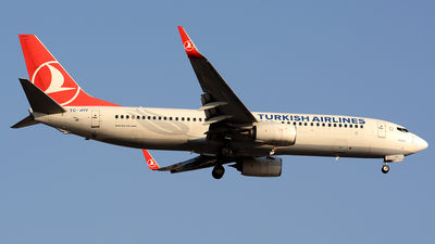 A picture of TCJHV - Boeing 7378F2 - Turkish Airlines - © Kayra D.