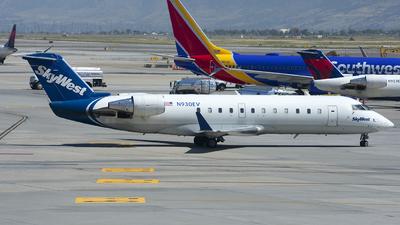 A picture of N930EV - Mitsubishi CRJ200LR - SkyWest Airlines - © Michael Rodeback
