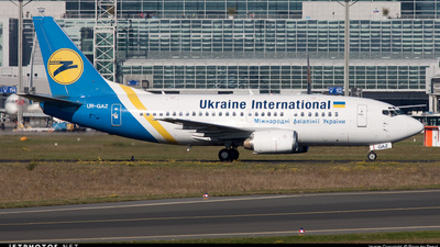 UR-GAZ - Boeing 737-55D - Ukraine International Airlines