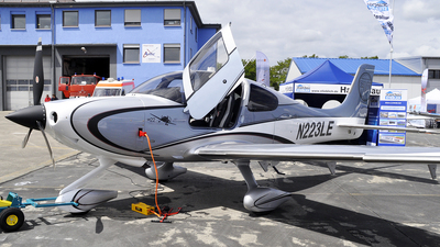 N223LE - Cirrus SR22T - Private