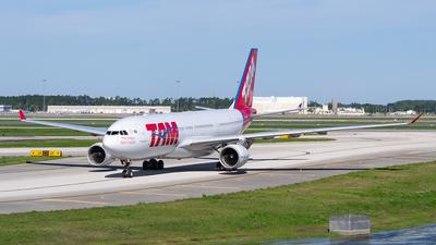PT-MVT - Airbus A330-223 - TAM Linhas Aéreas