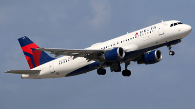 N372NW - Airbus A320-212 - Delta Air Lines