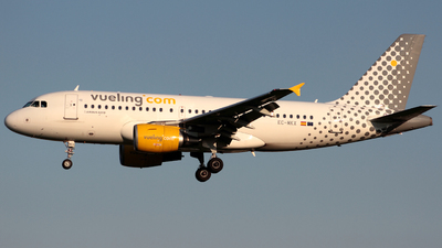 EC-MKX - Airbus A319-111 - Vueling Airlines