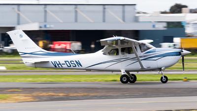 VH-DSN - Cessna 182T Skylane - Private