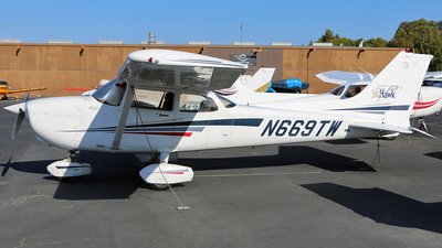 N669TW - Cessna 172S Skyhawk - Private
