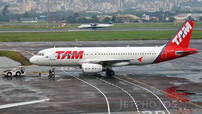 PR-MAD - Airbus A320-232 - TAM Linhas Aéreas