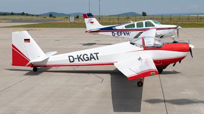D-KGAT - Scheibe SF.25C Falke - Private