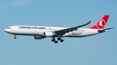 TC-LNG - Airbus A330-303 - Turkish Airlines