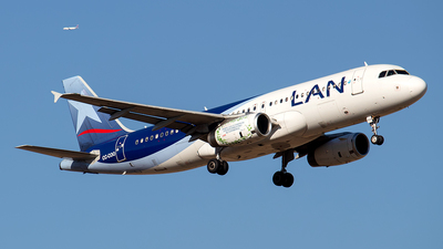 CC-COO - Airbus A320-233 - LAN Airlines
