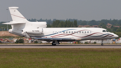 M-YORK - Dassault Falcon 7X - Private