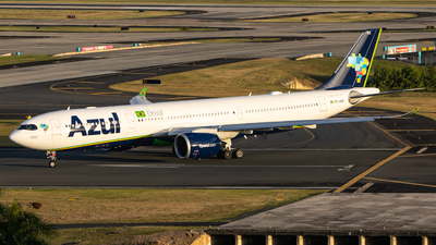 A picture of PRANX - Airbus A330941 - Azul Linhas Aereas - © Omar Y. Pérez