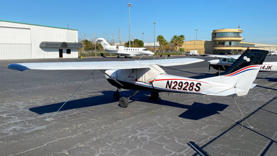 N2928S - Cessna 150G - Private