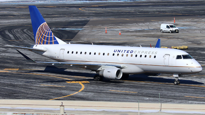 A picture of N746YX - Embraer E175LR - United Airlines - © Xiamen Air 849 Heavy