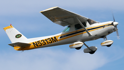 A picture of N5313M - Cessna 152 - [15284527] - © Angel Moreno, PR Spotter