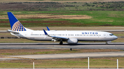 A picture of N37468 - Boeing 737924(ER) - United Airlines - © Rocky Wang