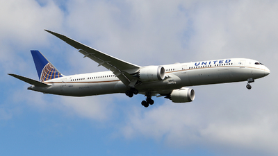 A picture of N17002 - Boeing 78710 Dreamliner - United Airlines - © Johannes Reichert