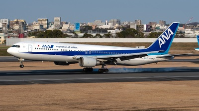 A picture of JA8342 - Boeing 767381 - All Nippon Airways - © Yuto Kiuchi