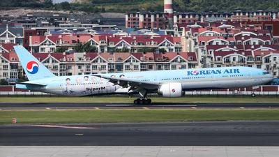 HL8010 - Boeing 777-3B5ER - Korean Air