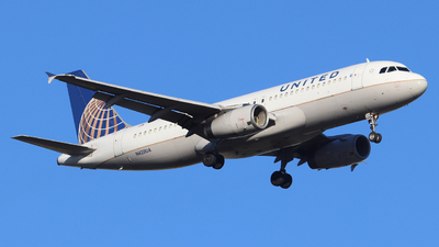 A picture of N420UA - Airbus A320232 - United Airlines - © Scotty Antico