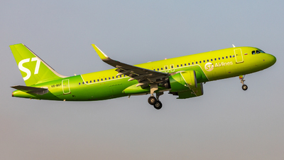 A picture of VQBGT - Airbus A320271N - S7 Airlines - © Sardor Durumov