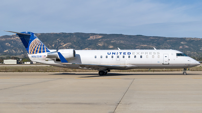 A picture of N961SW - Mitsubishi CRJ200LR - United Airlines - © Ricky Teteris