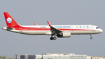 A picture of B8598 - Airbus A321271N - Sichuan Airlines - © Li Youyang