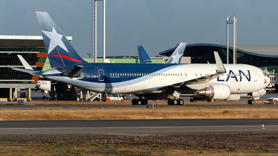 A picture of CCCXK - Boeing 767316(ER) - LATAM Airlines - © MartinezRoe7