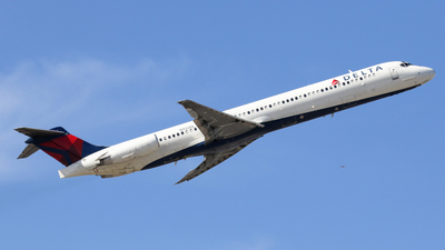 A picture of N932DL - McDonnell Douglas MD88 - [49719] - © BaszB
