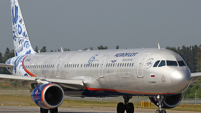 A picture of VPBEE - Airbus A321211 - Aeroflot - © Airyura