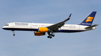 A picture of TFISS - Boeing 757223 - Icelandair - © Marvin Knitl