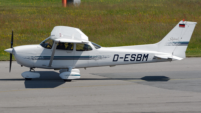 D-ESBM - Cessna 172R Skyhawk II - Private