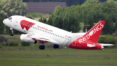 RA-89122 - Sukhoi Superjet 100-95LR - Red Wings