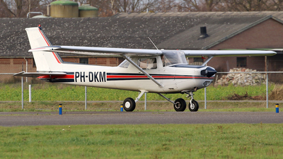 PH-DKM - Cessna 152 - Private