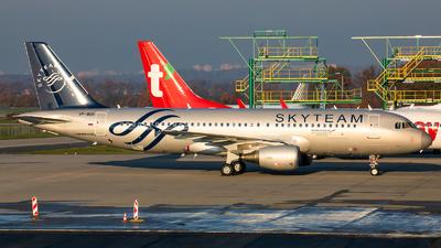 A picture of VPBDK - Airbus A320214 - [2106] - © Radim Koblížka