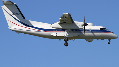 N8200J - Bombardier Dash 8-Q201 - Dynamic Aviation
