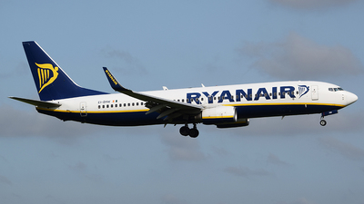 A picture of EIDHW - Boeing 7378AS - Ryanair - © John Fitzpatrick