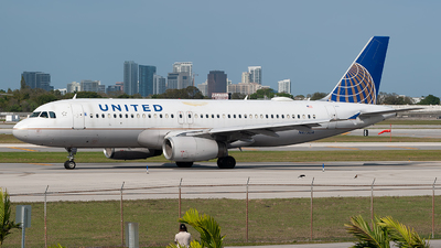 A picture of N473UA - Airbus A320232 - United Airlines - © Mark Lawrence
